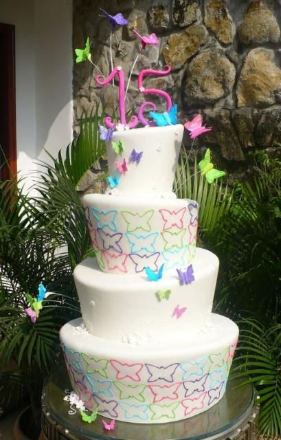 Pin By Anis Simon On Cakes N Treats 15th Birthday Cakes