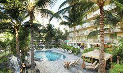 Hawaiian Family Vacation For Cheap On Waikiki Beach At