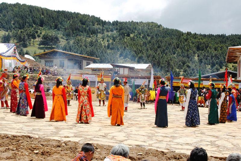 Matsutake Festival on http://www.bhutanonlinevisa.com/bhutan-festival-tours/masutake-festival/
