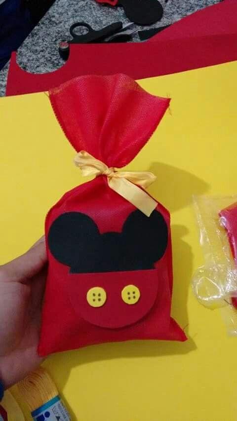 Saquinho surpresa aniversário Mickey