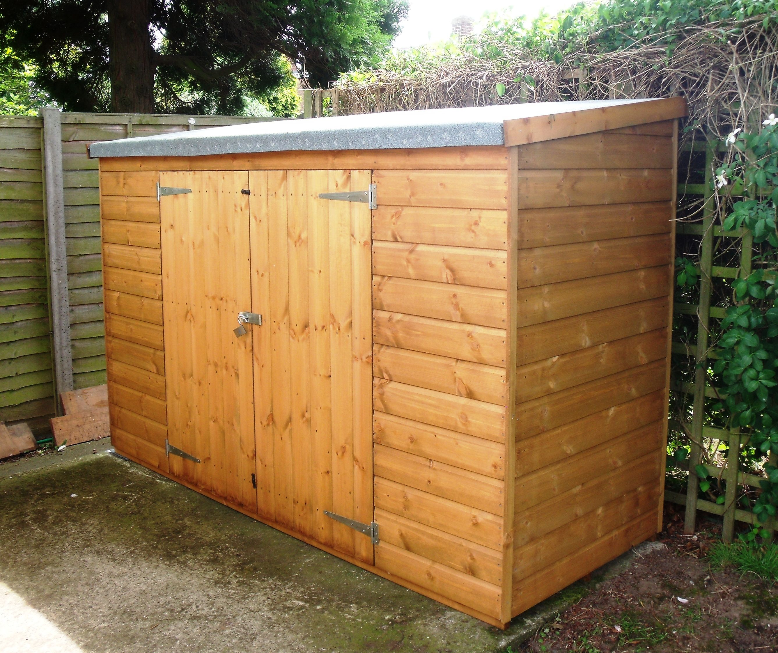 Charmant Beautiful Shed Ideas For Your Garden And Backyard Decorations: Enchanting Wooden  Shed Ideas Small Size With Sloping Roof And Double Main Doors For Inspiring  ...