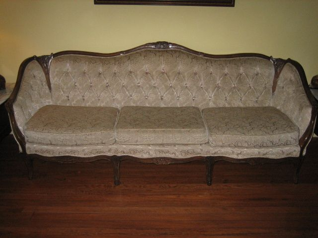 Old fashioned sofa styles thesofa Antique loveseat styles