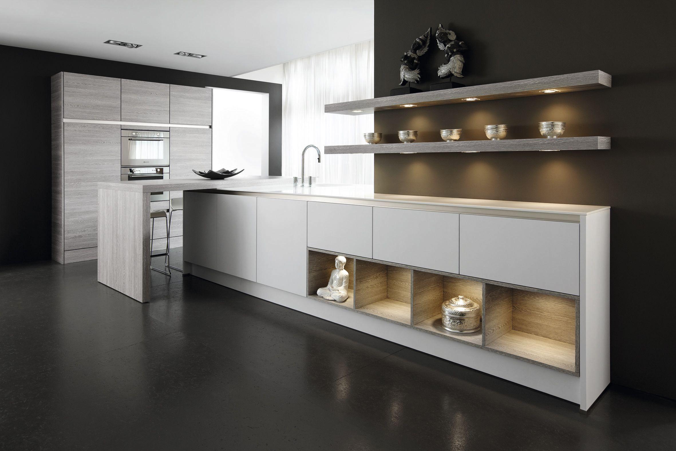 Bijzondere verlichting in de keukenkasten. in deze keuken is veel ...