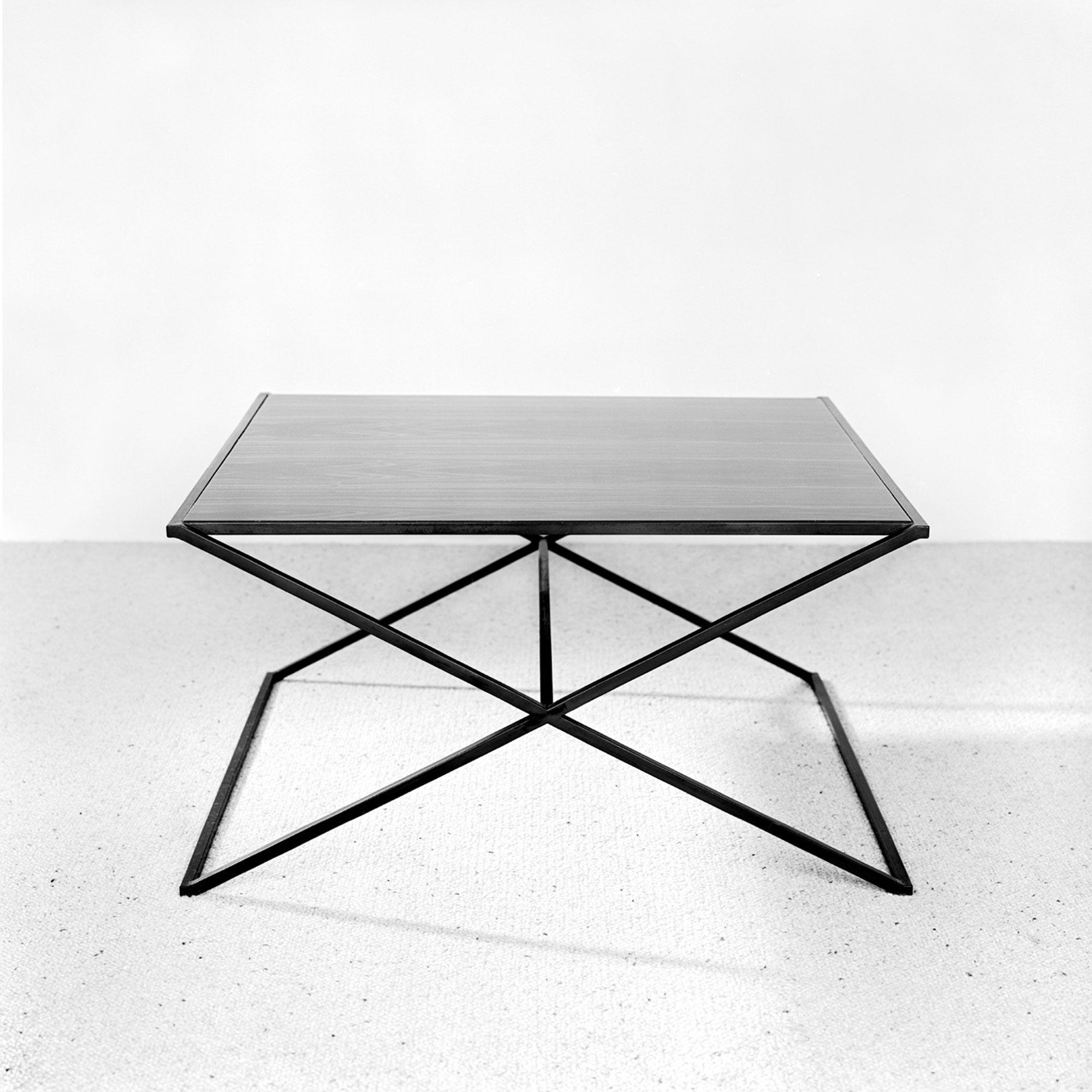 Ixx Low Table Christophe Delcourt Table D Appoint Table Et Mobilier De Salon