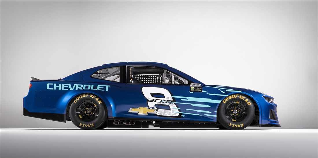 Chevrolet Unveils 2018 Camaro Race Car For Monster Energy Series Camaro Zl1 Chevrolet Camaro Zl1 Nascar Race Cars