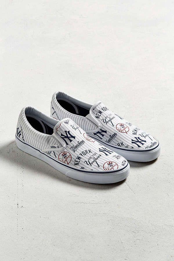 195ef0aaab Vans New York Yankees Slip-On Sneaker