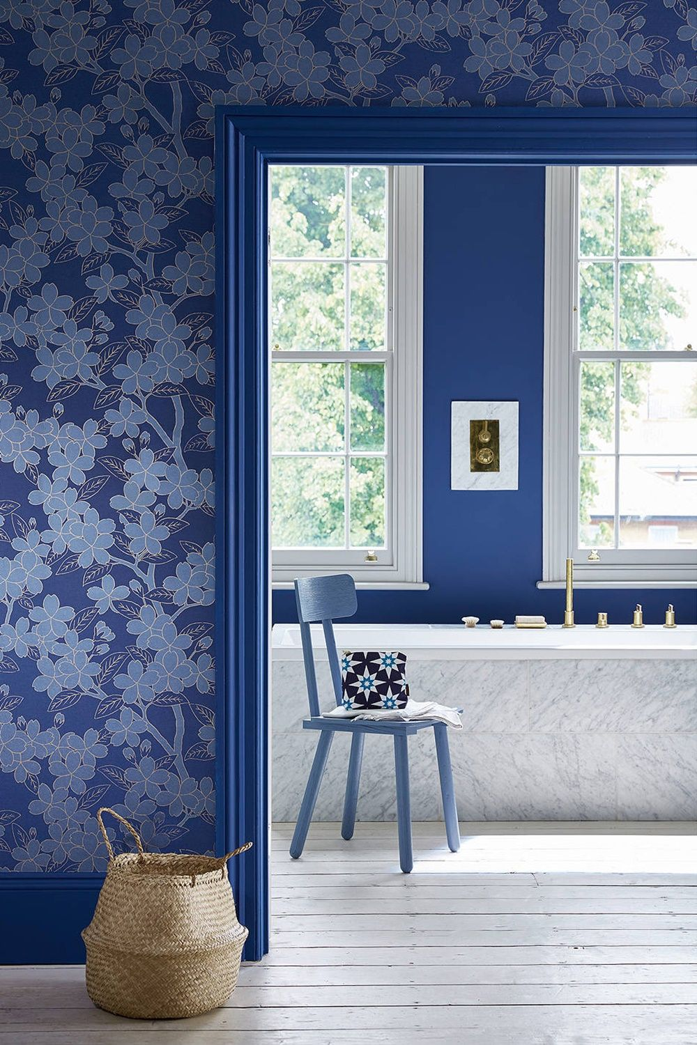 17 amazing choose a strong blue for a contemporary twist