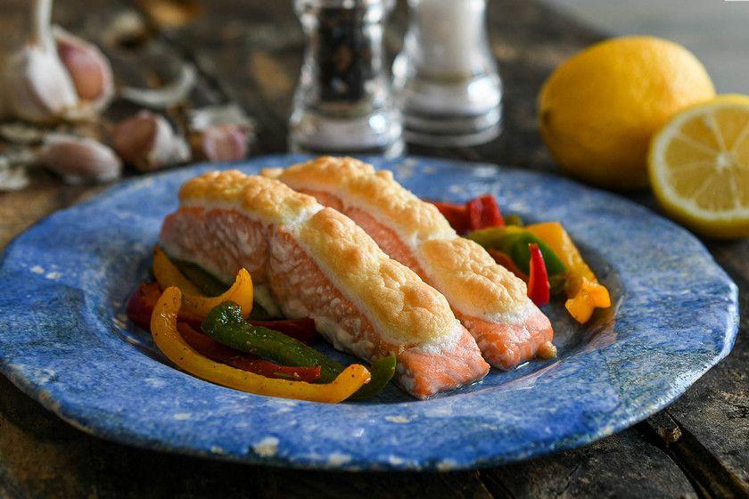 La receta de salmón al horno más fácil, rápida y con un toque súper especial (con vídeo incluido)