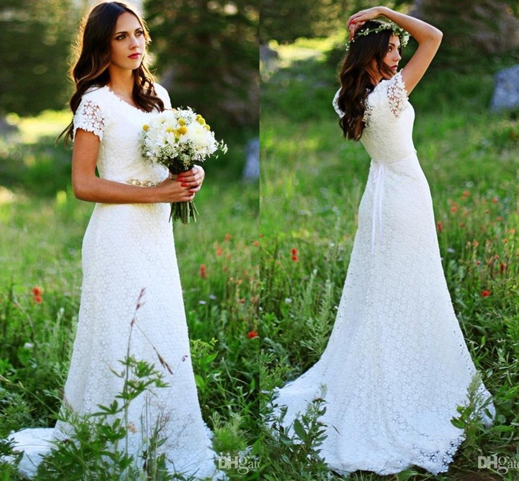159.00$  Watch now - http://viqnk.justgood.pw/vig/item.php?t=o37naz557944 - Bohemian Beach Lace Wedding Dresses Short Sleeve Crystals Beaded Bridal Gowns 159.00$