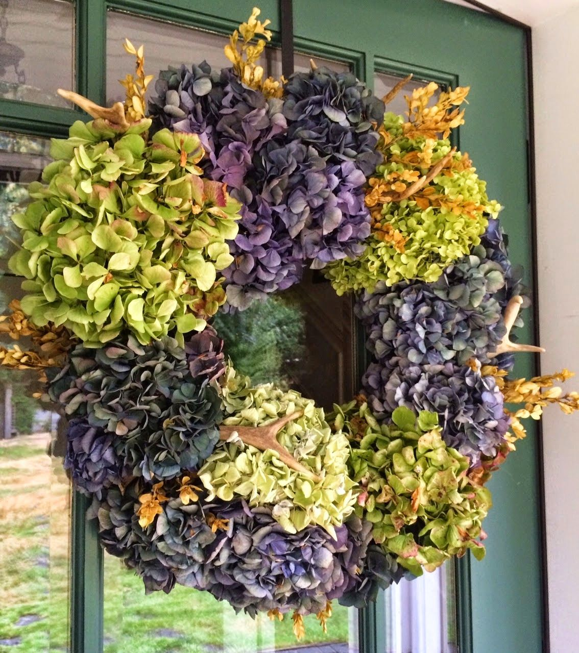 love the colors on this wreath.
