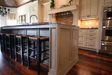 Traditional Kitchen Design Example Traditional Kitchen New Orleans Classic Cupboard Kitchen Island With Seating Kitchen Flooring Classic Kitchen Design