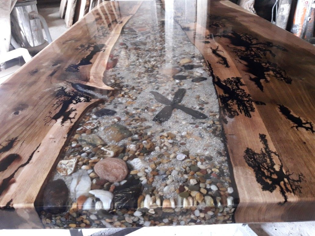 Walnut With Sand And Pebbles In Transparent Epoxy Resin Dining Tables Bogoak Bogelm Abonos Furnitur Resin Countertops Resin And Wood Diy Wood Resin Table