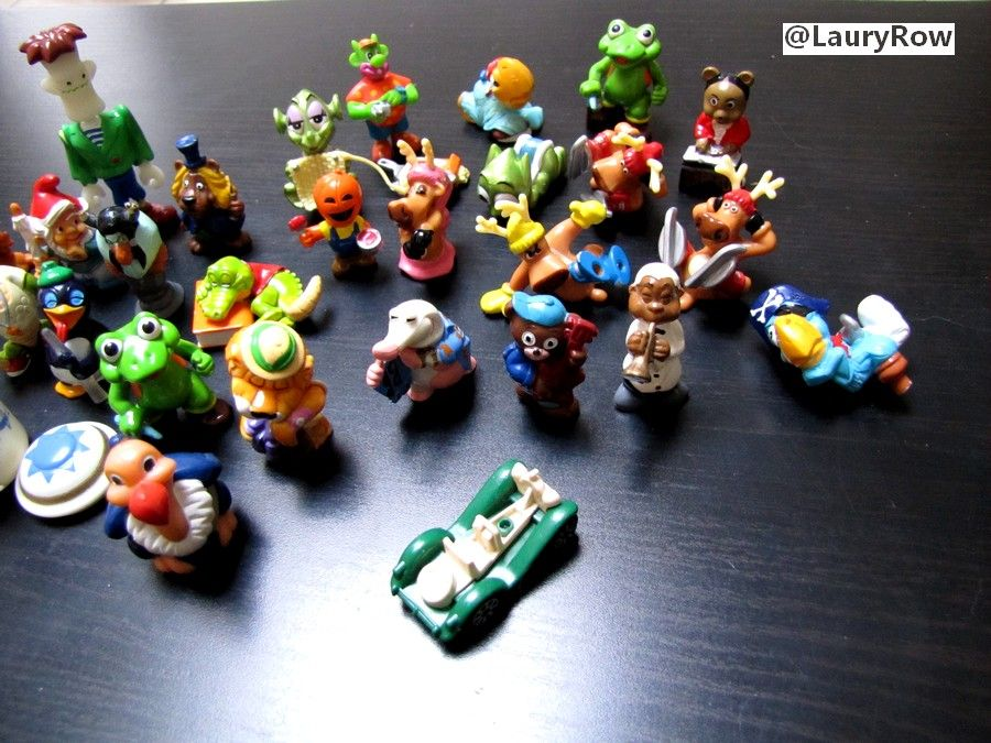 diverses figurines kinder à vendre.