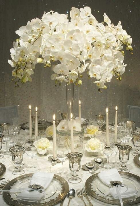 Eiffel Tower Vases All White Flowers Sets The Tone Lovely Yellow