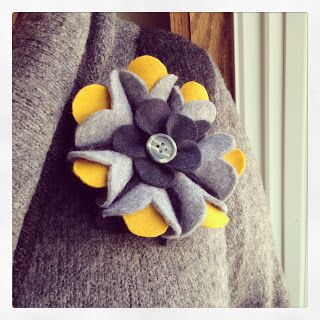 Design by Night: Another Felt Flower. Tutorial I like the dimensionality (did I spell that right?) of this one.