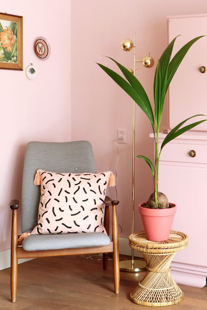 De leukste roze interieurs van Pinterest | Attic, Pillows and Interiors