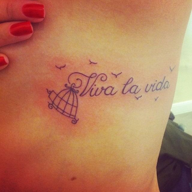frase viva la vida y aves pinterest tattos and tattoo. Black Bedroom Furniture Sets. Home Design Ideas