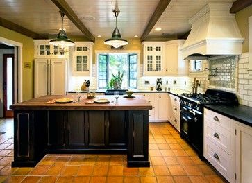 Www Houzz Com Photos Kitchen Cottage Kitchen Design Ideas Pictures Remodel And Decor Traditional Kitchen Kitchen Styling Spanish Kitchen