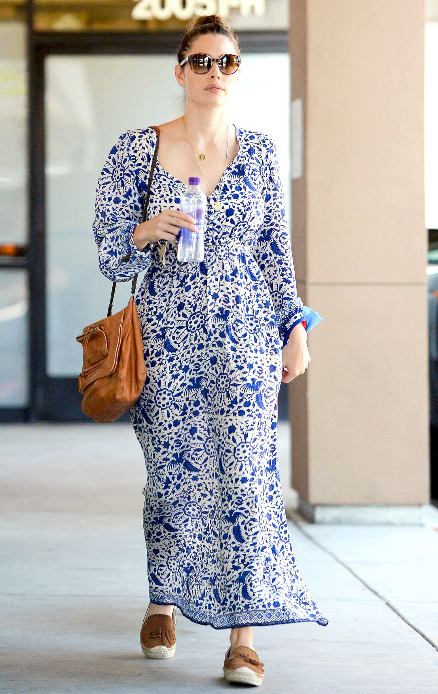Jessica Biel Covered Her Post Baby Body In A Long Blue Dress When She Brought Dog To The Vet On Thursday Sept 17