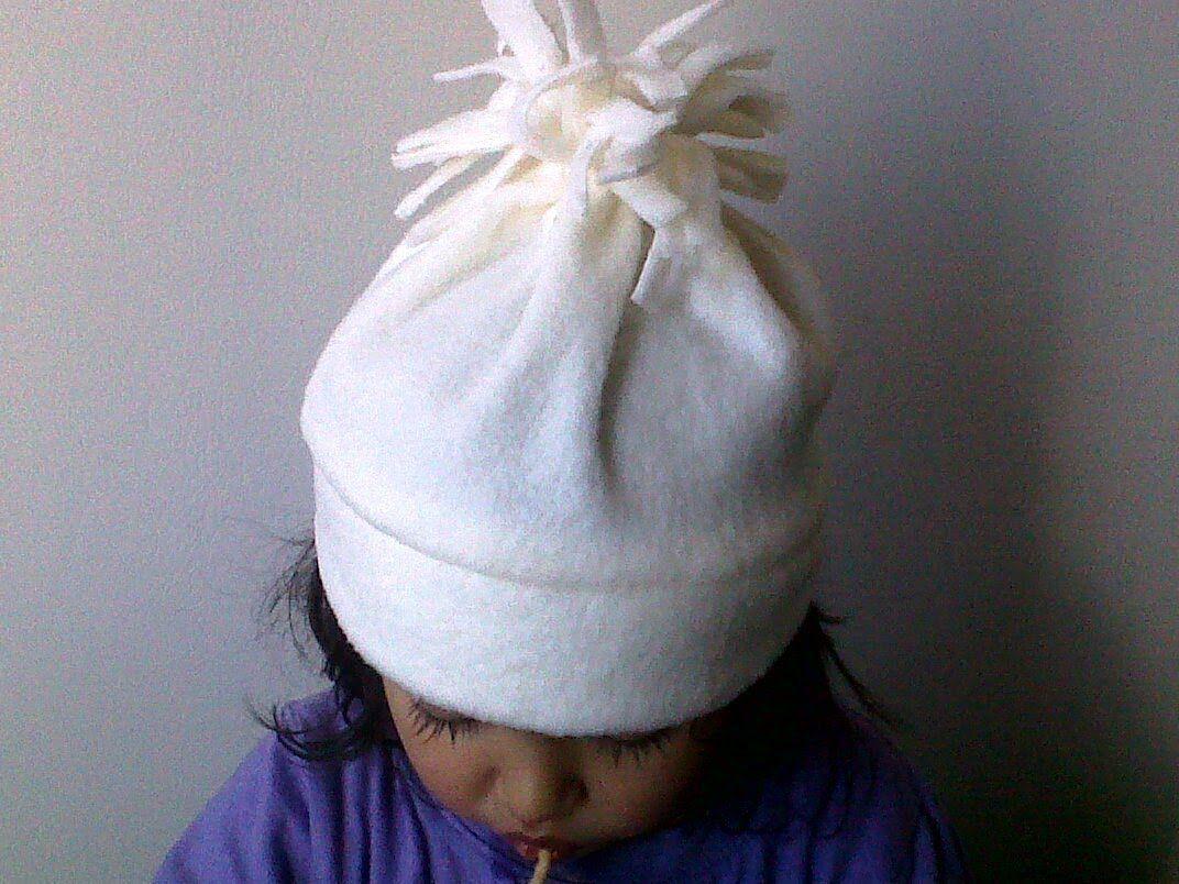 MANUALIDADES. 1 COMO HACER Gorro  de polar para niños y bebes.wmv