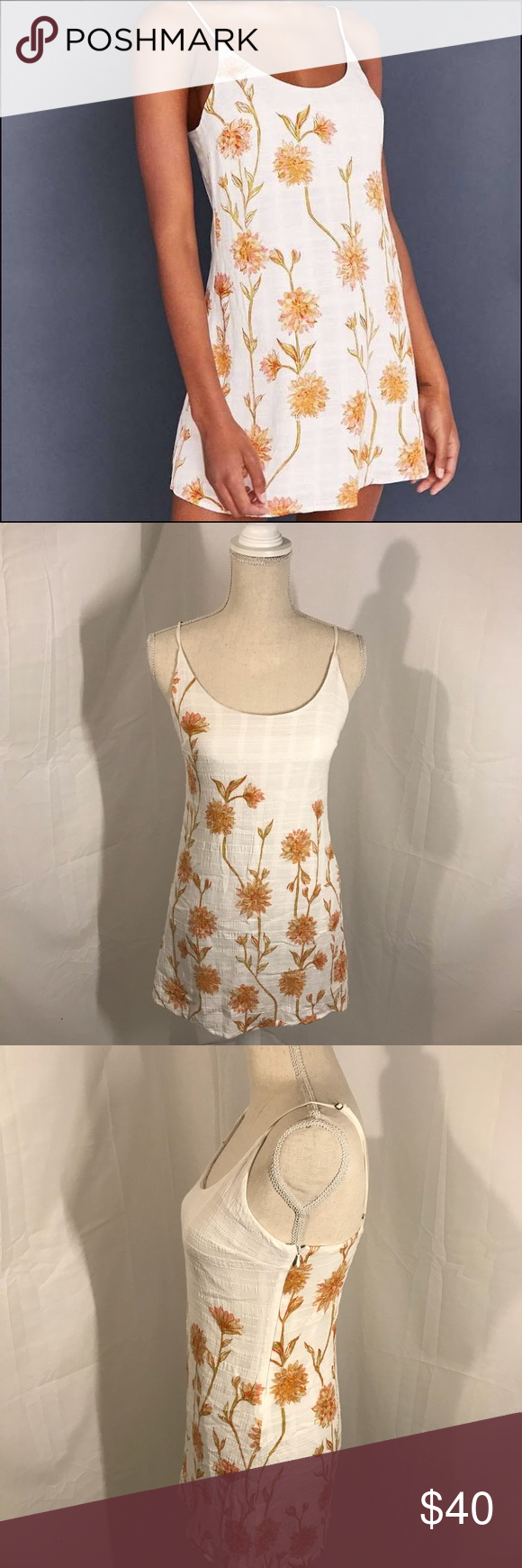 6f836808a2fc7 Kimchi Blue Cambridge Floral Dobby Slip Dress IMPORTANT: runs very small,  fits more like an XS/S I typically wear a size xs or small and this dress  fits me ...