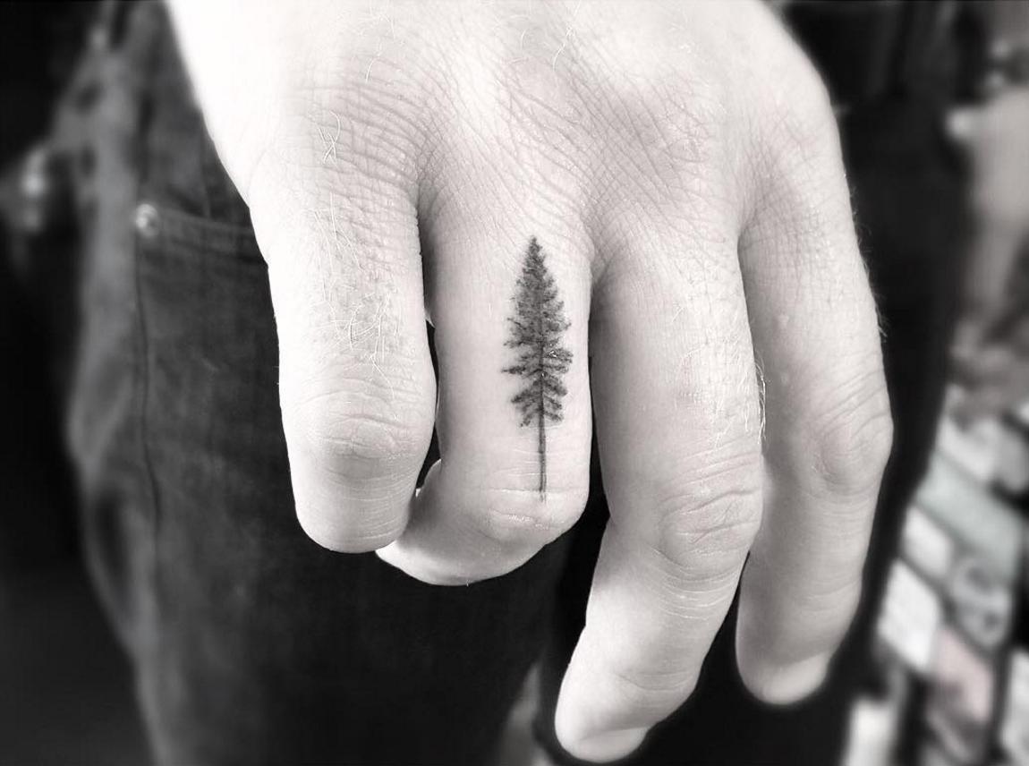 Dr. Woo Tattoo Artist | Half Needle Tattoo | Tree