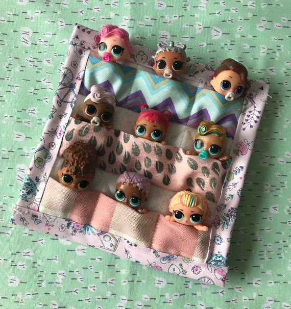 LOL Dolls lil sis sleepover sleeping bag. Made to fit 9 dolls. Great Lol doll accessory. #dollaccessories