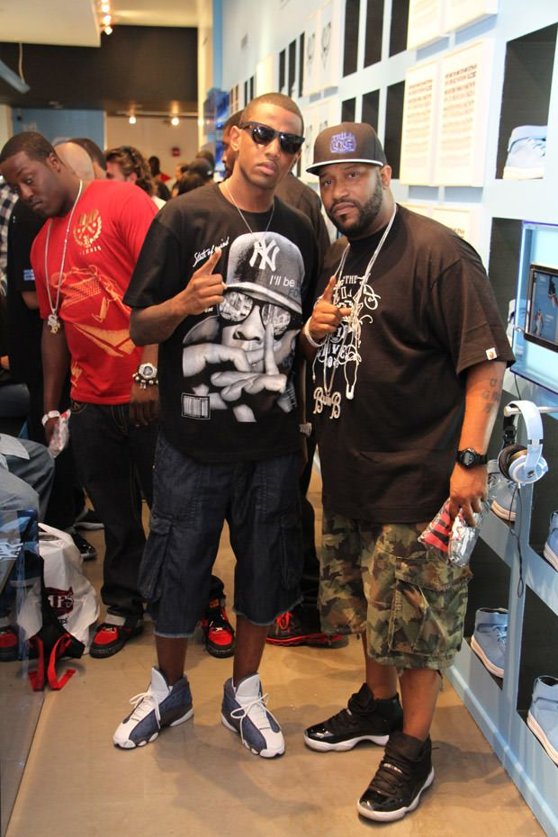 3e6e9e96038 Celebrity Sneaker Stalker Atmos | Famous People Shoe Game ...