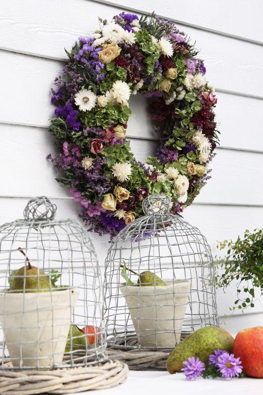 kr nze und gestecke aus trockenblumen basteln und handarbeit pinterest kranz. Black Bedroom Furniture Sets. Home Design Ideas