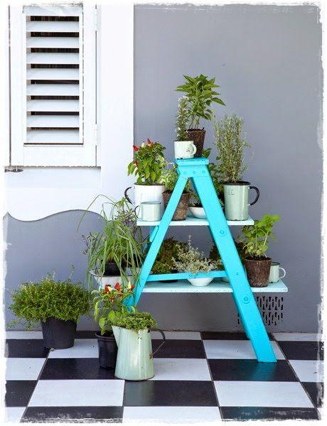 Escaleras decorativas con plantas escaleras pinterest for Escaleras decorativas de interior