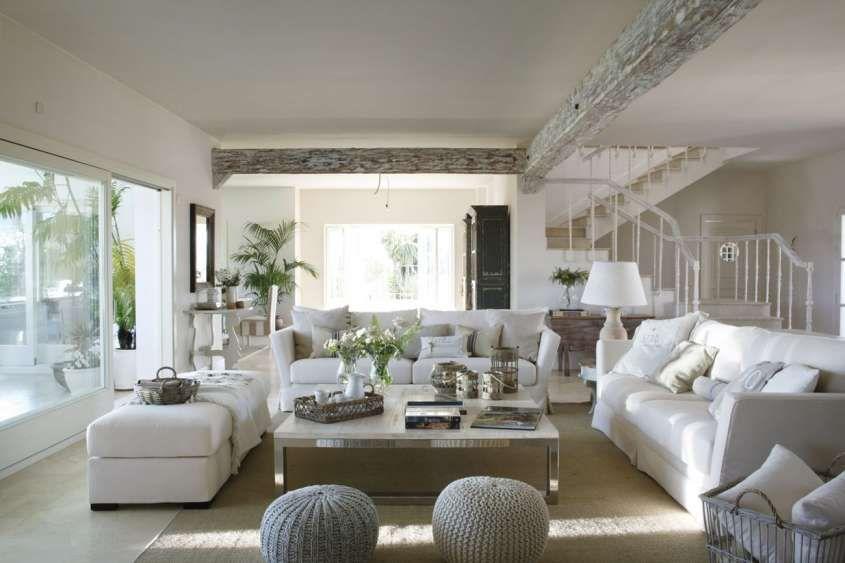 Arredamento total white per la casa come spezzare la for Arredamento case antiche