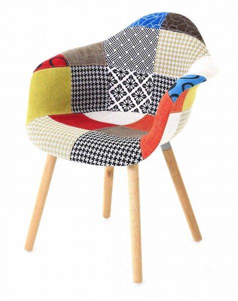 """Nous sommes fans de ce Fauteuil en tissu """"patchwork"""". De la couleur dans le salon, ou le bureau ! Parfait pour travailler :)"""