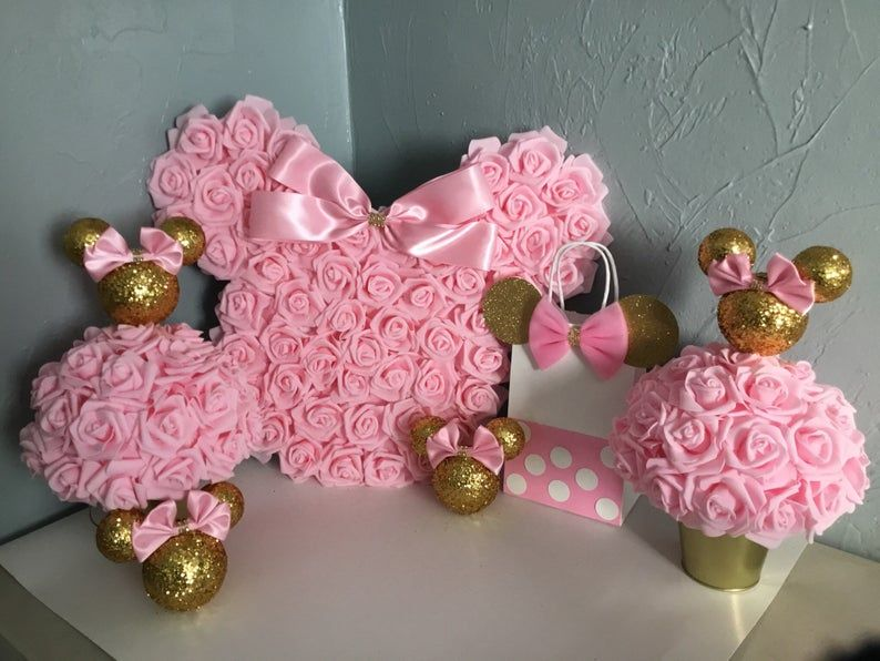 Pink and gold minnie mouse centerpieces, minnie bi