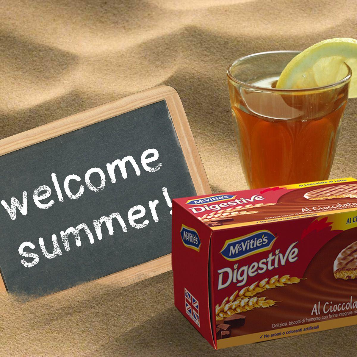 #mcvitiesitalia #mcvitiesdigestive #mcvitiescioccolatoallatte #mcvities #summer #estate #thèfreddo #spiaggia #sabbia #lavagnetta #gesso #relax #food #cibo #sweet #dolce #biscuits #biscotti