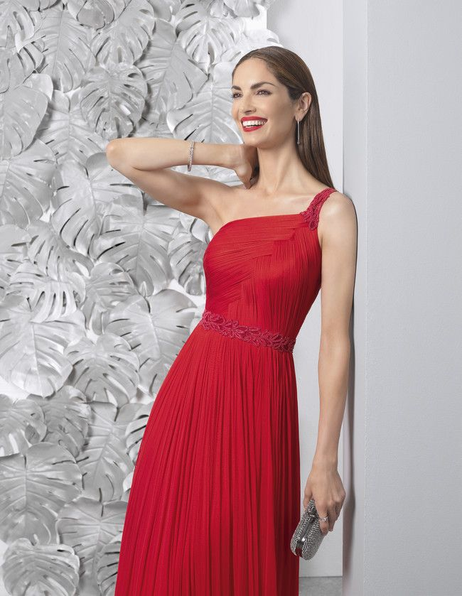e59263519 Eugenia Silva nos propone estos 31 vestidos de fiesta de Rosá Clara ...