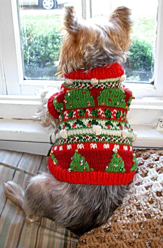 Christmas Trees Beaded Fair Isle Dog Sweater door mysavannahcottage