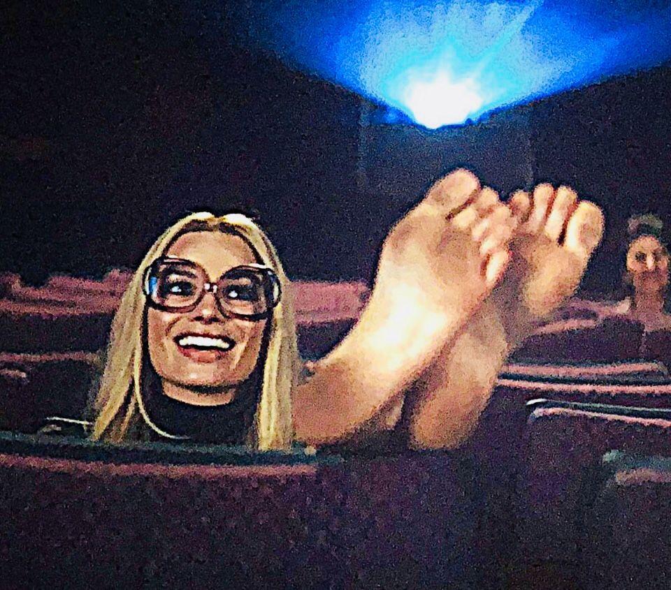 Margot Showing Her Feet Margot Robbie Feet Margot Robbie