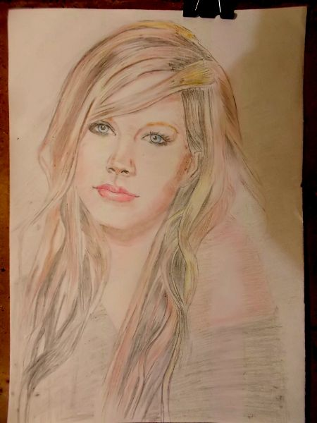 Portrait avril lavigne color pencil on paper