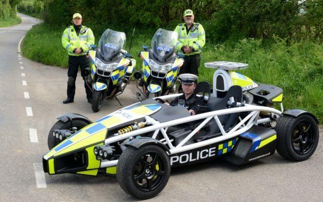 Carro de polícia mais rápido do mundo perseguirá