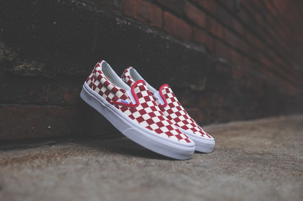 slip on vans checkerboard red