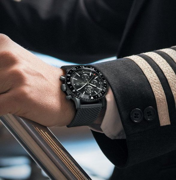 d4a3f7bb014c Designed with the international jet set in mind, and inspired by a watch  from the 1950s-1960s, the Breitling Chronoliner Blacksteel timepiece packs  a ...
