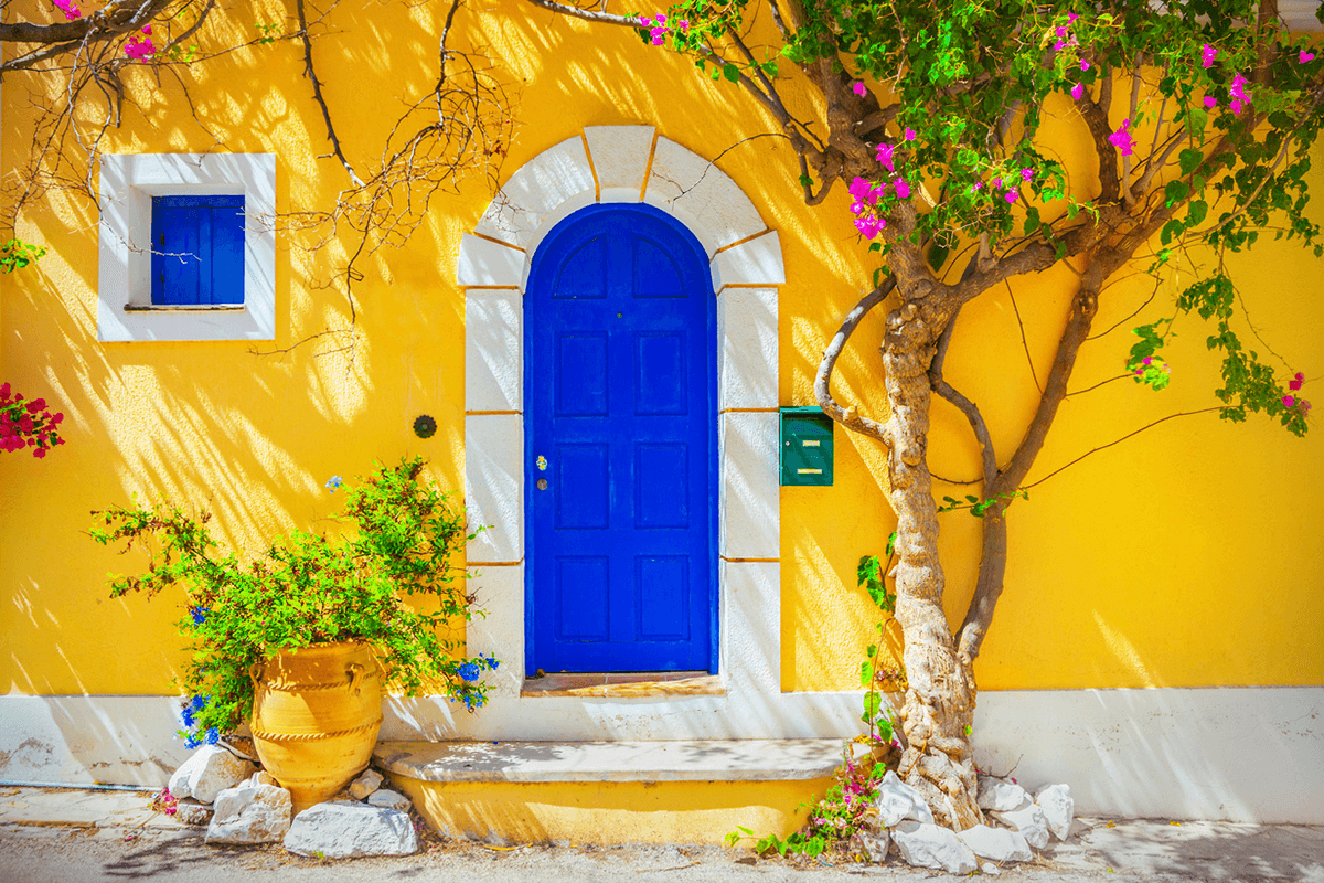 Colors That Compliment Yellow House Exterior Blue Yellow House