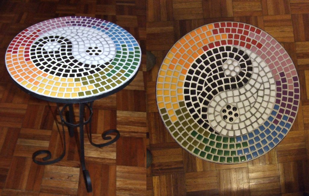 Ying yang mosaic table by on for Table yin yang