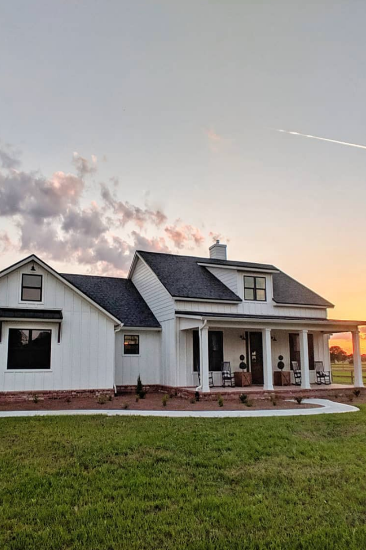 40 pictures that prove white farmhouses are the most on beautiful modern farmhouse trending exterior design ideas id=64471