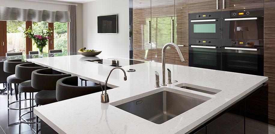 New Carrara Marmi Quartz Countertops Q White Quartz Countertops In 2020 White Quartz Countertop Quartz Countertops Countertops