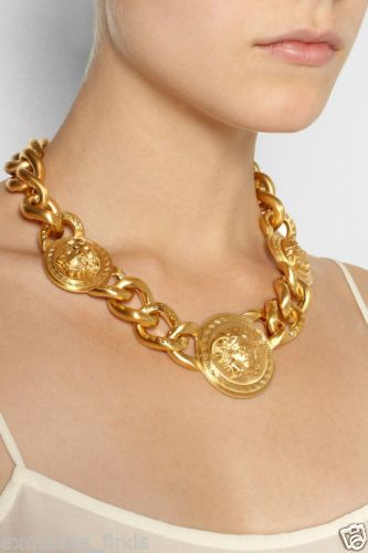 New-Versace-Gold-Medusa-Charm-Chain-Necklace