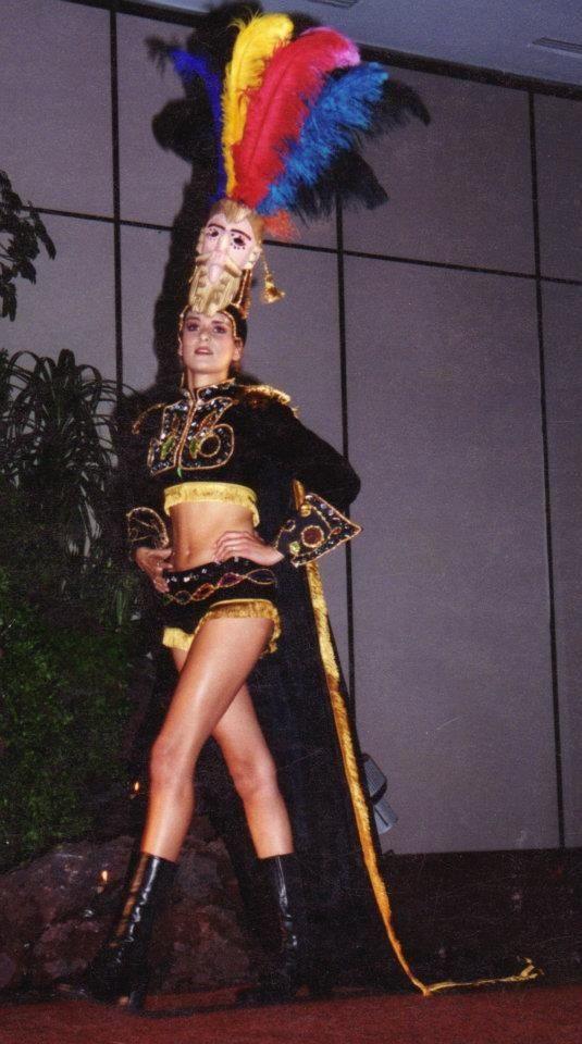 Trajes de Fantasía  Conquistador Marie Claire Palacios 1er. Lugar Miss Teen Guatemala 2002