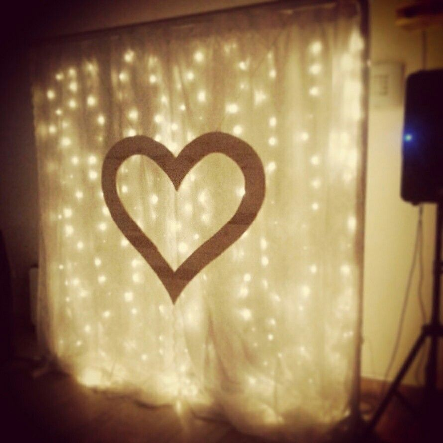 Vintage wedding screen with pallet heart...