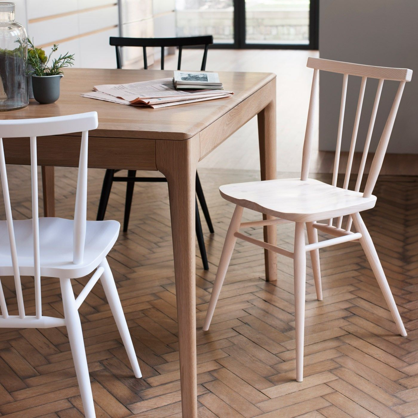 First designed by Ercol founder Lucian Ercolani in the 1950s this