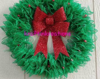Red and White Christmas Wreath van 2ADoorAbleCreations op Etsy